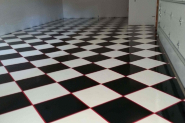Residential - Checkered Garage